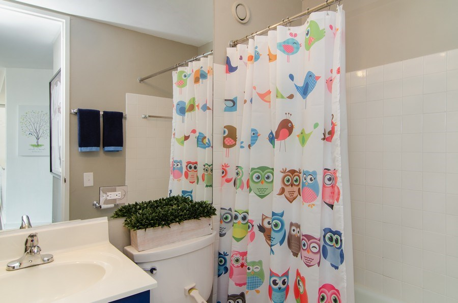 Real Estate Photography - 345 w. fullerton #2204, Chicago, IL, 60614 - Bathroom
