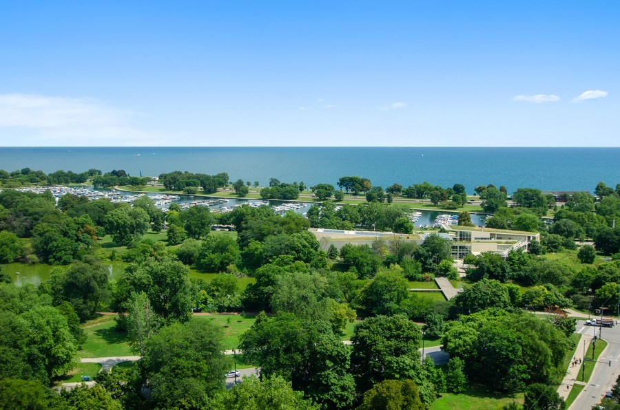 Real Estate Photography - 345 w. fullerton #2204, Chicago, IL, 60614 - Lake View