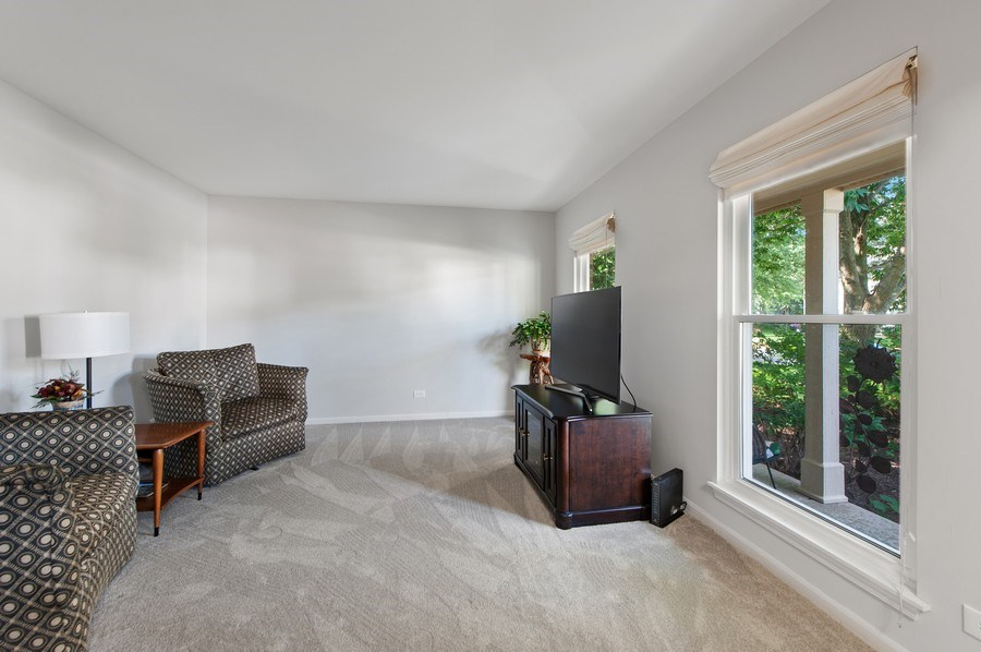 Real Estate Photography - 725 W Trail North, Grayslake, IL, 60030 - Living Room