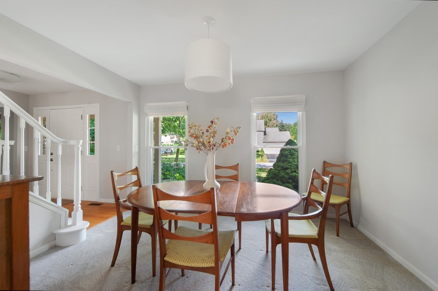 Real Estate Photography - 725 W Trail North, Grayslake, IL, 60030 - Dining Room