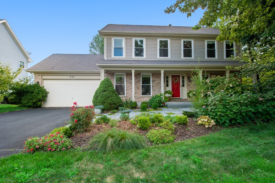 Real Estate Photography - 725 W Trail North, Grayslake, IL, 60030 - Front View