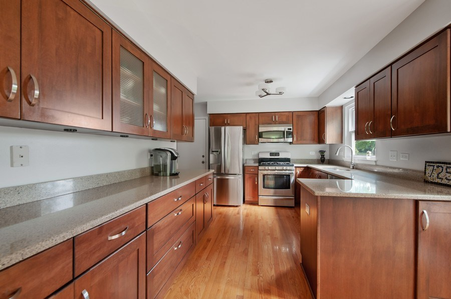 Real Estate Photography - 725 W Trail North, Grayslake, IL, 60030 - Kitchen