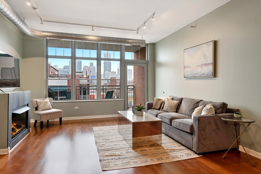 Real Estate Photography - 1200 W. Monroe St, 602, Chicago, IL, 60607 - Living Room