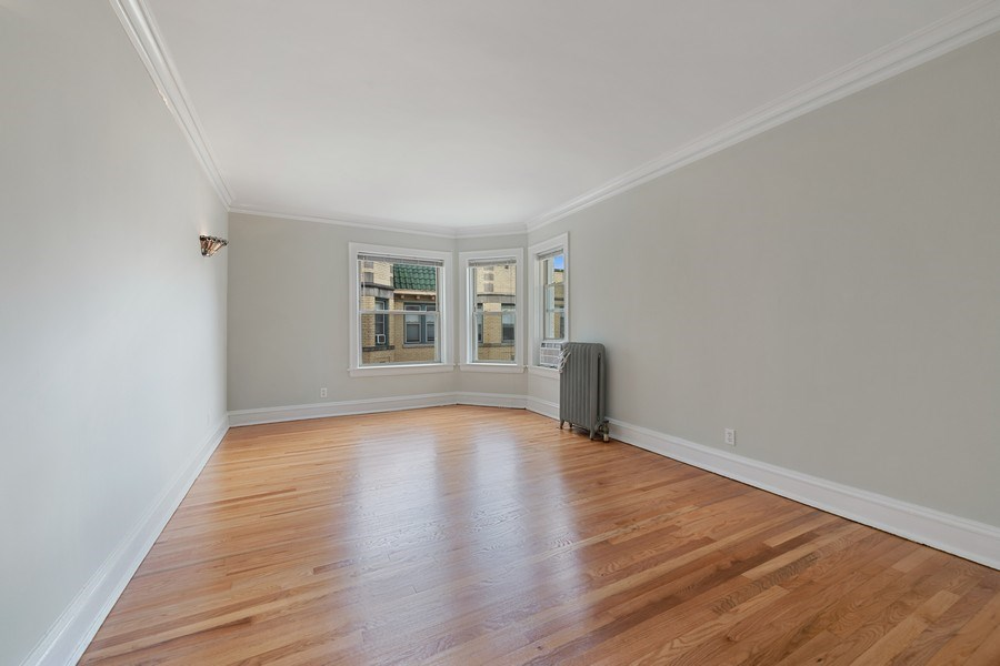 Real Estate Photography - 824 Mulford St, Unit 3E, EVANSTON, IL, 60202 - Living Room