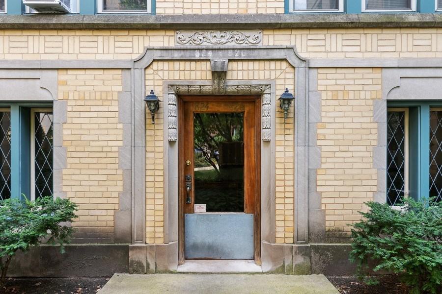 Real Estate Photography - 824 Mulford St, Unit 3E, EVANSTON, IL, 60202 - Entrance
