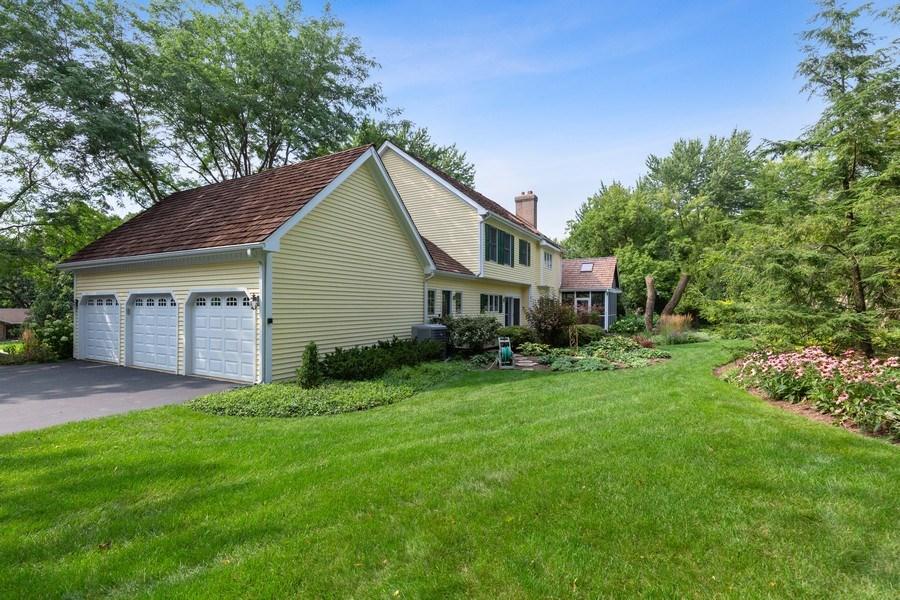Real Estate Photography - 111 Woodland Drive, Lake Barrington, IL, 60010 - Yard/Garden