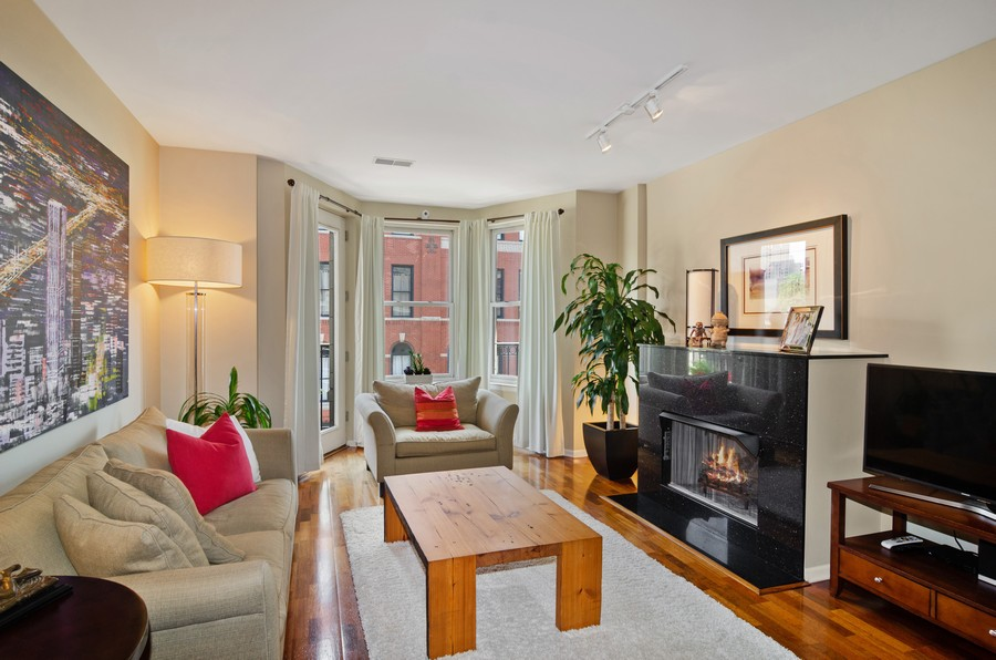 Real Estate Photography - 520 N. Halsted #308, Chicago, IL, 60622 - Living Room