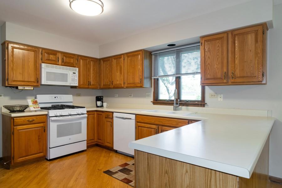Real Estate Photography - 1508 Eton, Arlington Heights, IL, 60004 - Kitchen