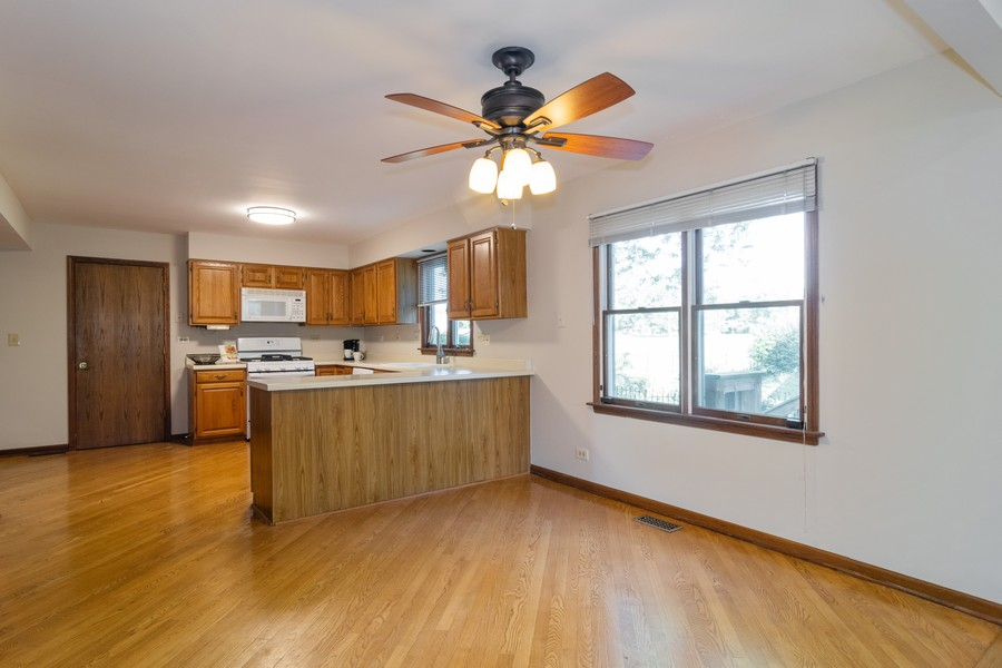 Real Estate Photography - 1508 Eton, Arlington Heights, IL, 60004 - Breakfast Nook