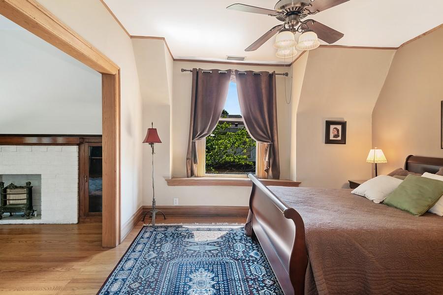 Real Estate Photography - 1023 Wenonah, Oak Park, IL, 60304 - 2nd Bedroom