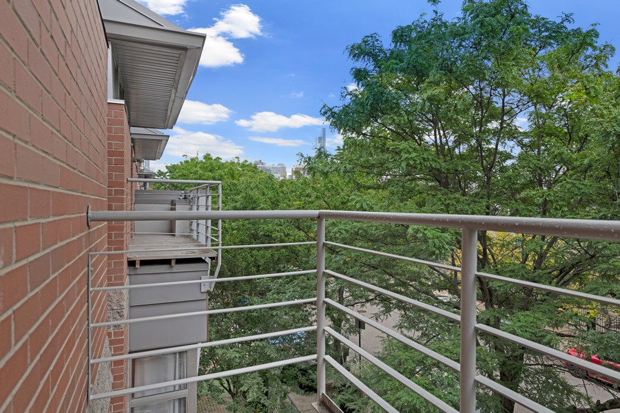 Real Estate Photography - 1920 S. Federal St., Unit C, Chicago, IL, 60616 - Balcony