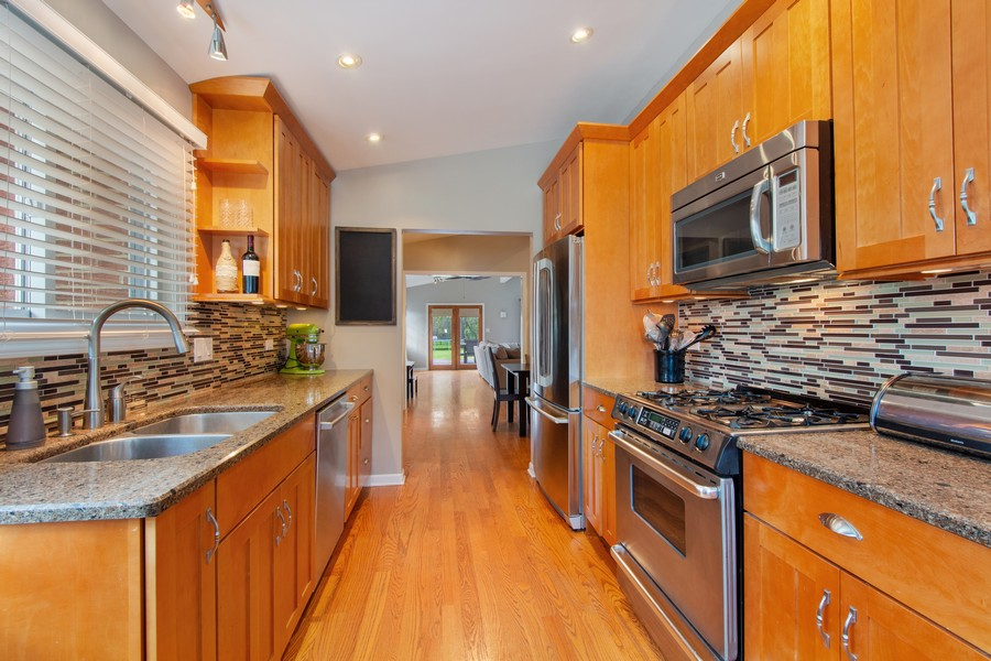 Real Estate Photography - 1315 W Leona Ter, Arlington Heights, IL, 60005 - Kitchen