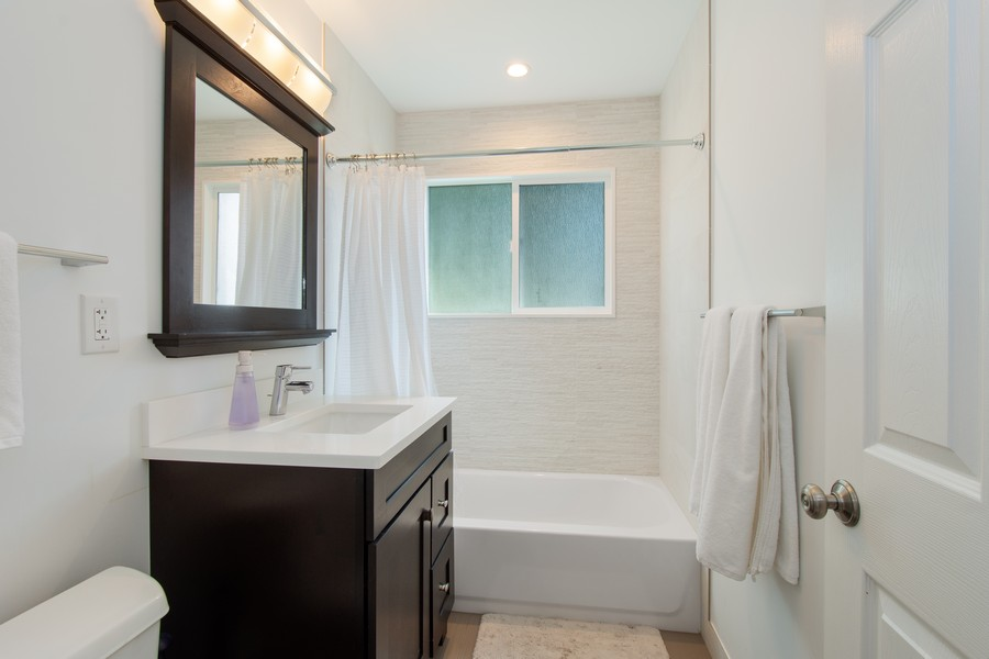 Real Estate Photography - 1315 W Leona Ter, Arlington Heights, IL, 60005 - Bathroom