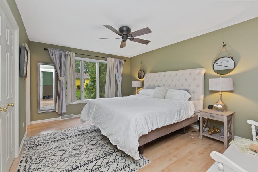 Real Estate Photography - 222 Lakewood DR, Oakwood Hills, IL, 60013 - Master Bedroom
