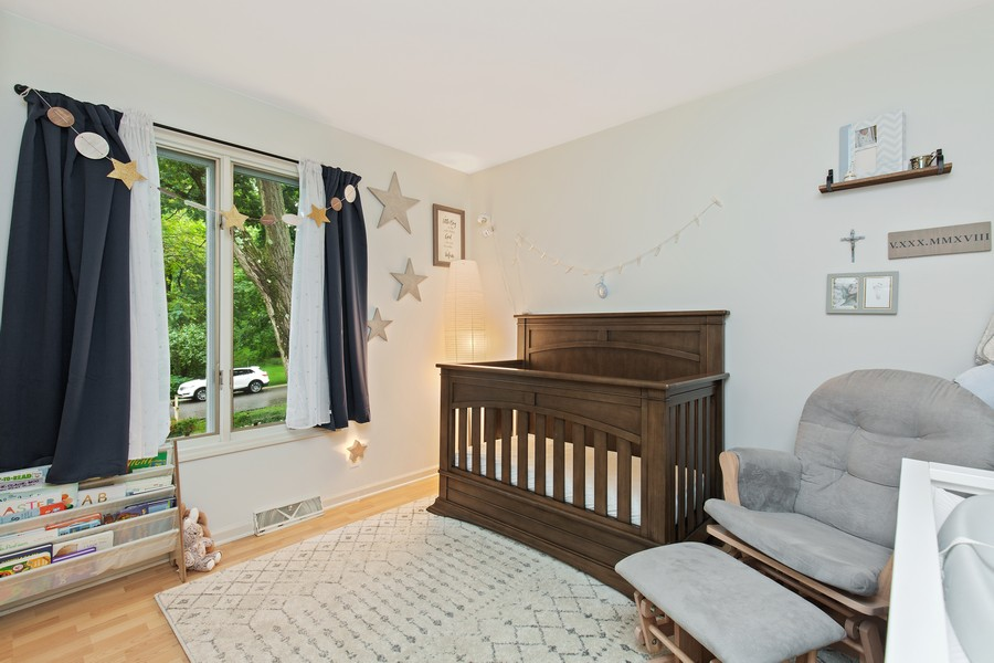 Real Estate Photography - 222 Lakewood DR, Oakwood Hills, IL, 60013 - 3rd Bedroom