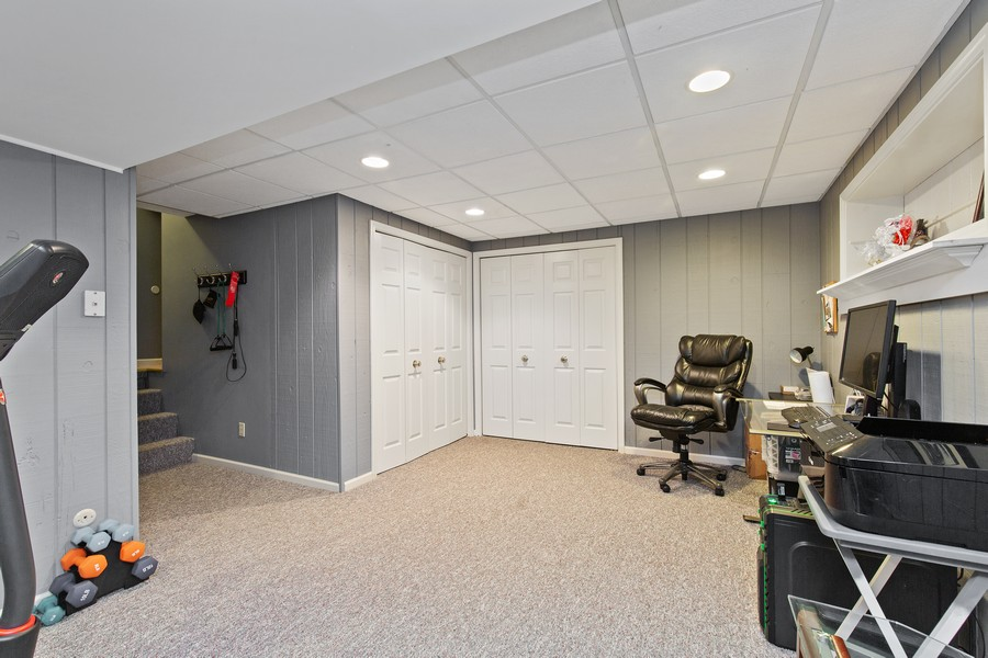 Real Estate Photography - 222 Lakewood DR, Oakwood Hills, IL, 60013 - Lower Level