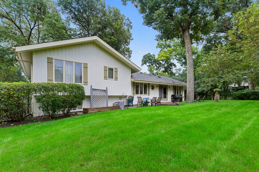 Real Estate Photography - 222 Lakewood DR, Oakwood Hills, IL, 60013 - Rear View