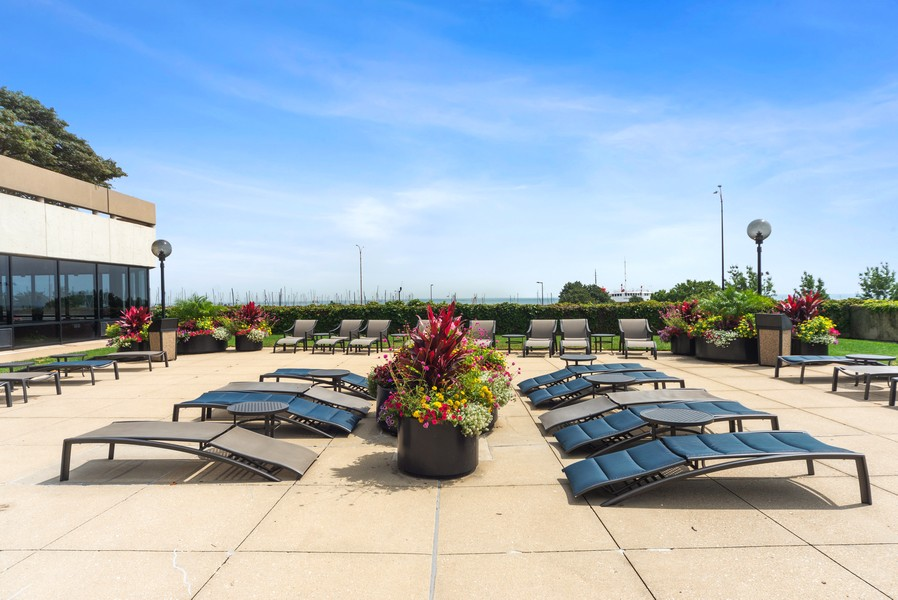 Real Estate Photography - 155 N. Harbor Dr. Unit 2010, Chicago, IL, 60601 - Common Sundeck