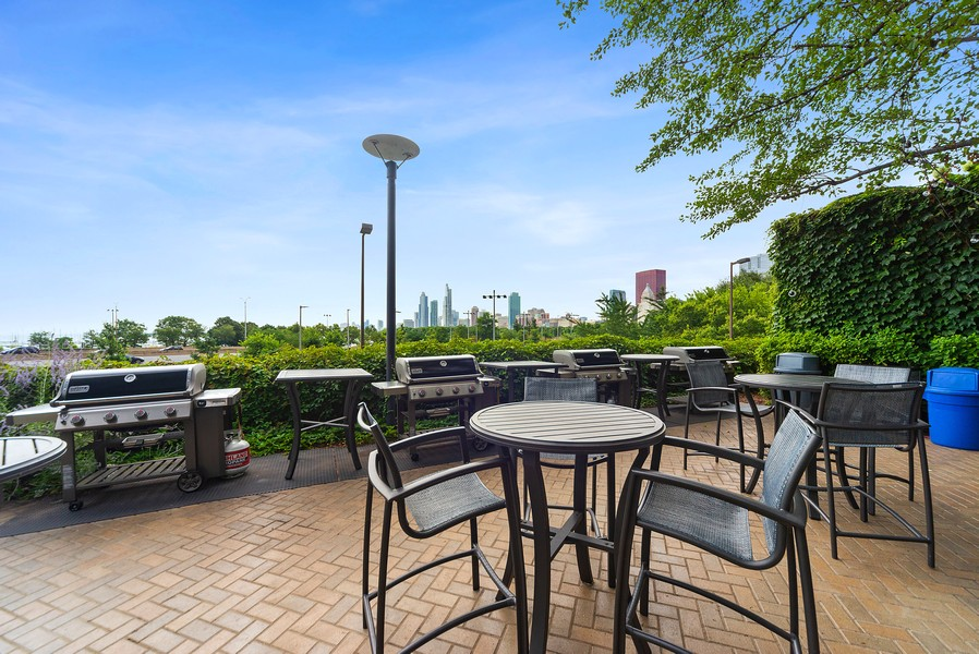 Real Estate Photography - 155 N. Harbor Dr. Unit 2010, Chicago, IL, 60601 - Common Grilling Area
