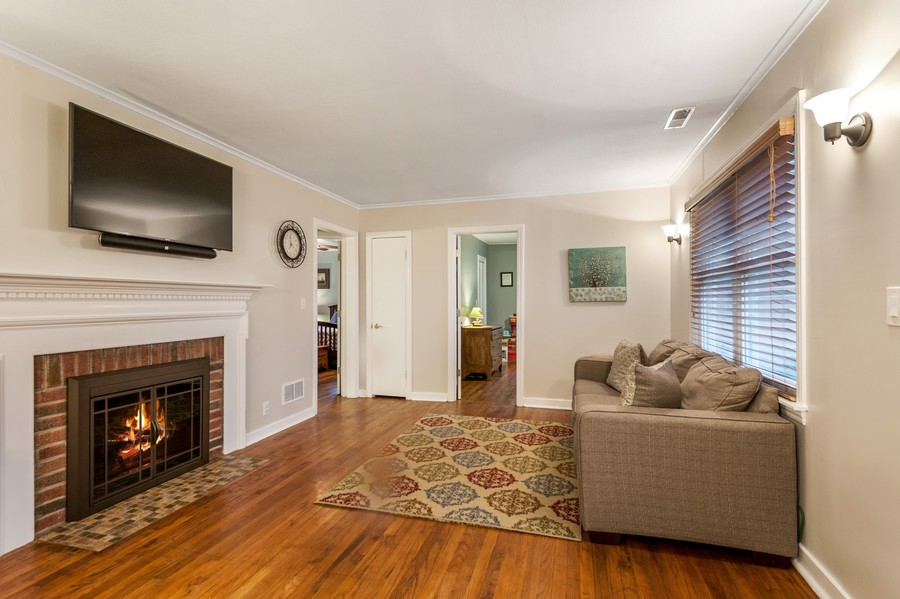 Real Estate Photography - 314 Behm Dr, Grayslake, IL, 60030 - Living Room