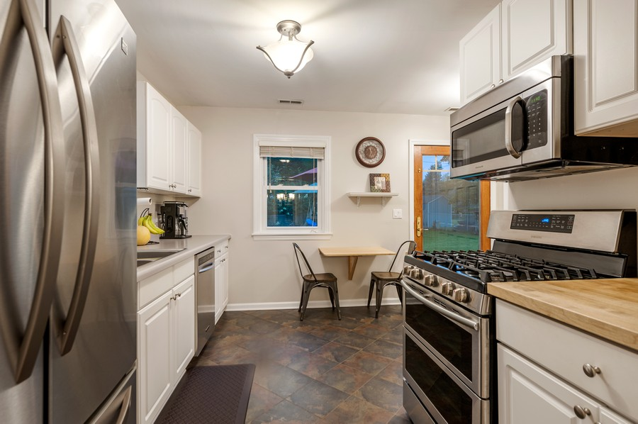 Real Estate Photography - 314 Behm Dr, Grayslake, IL, 60030 - Kitchen / Breakfast Room