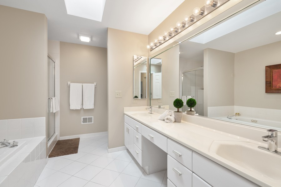 Real Estate Photography - 2042 Trent Ct, Glenview, IL, 60026 - Large Master Bath