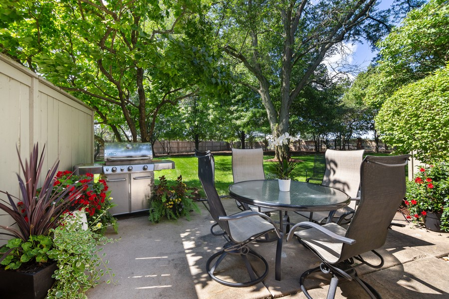 Real Estate Photography - 2042 Trent Ct, Glenview, IL, 60026 - Lovely Patio overlooking Spacious Backyard