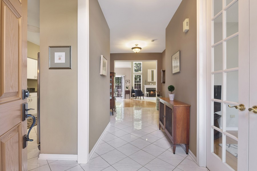 Real Estate Photography - 2042 Trent Ct, Glenview, IL, 60026 - Foyer