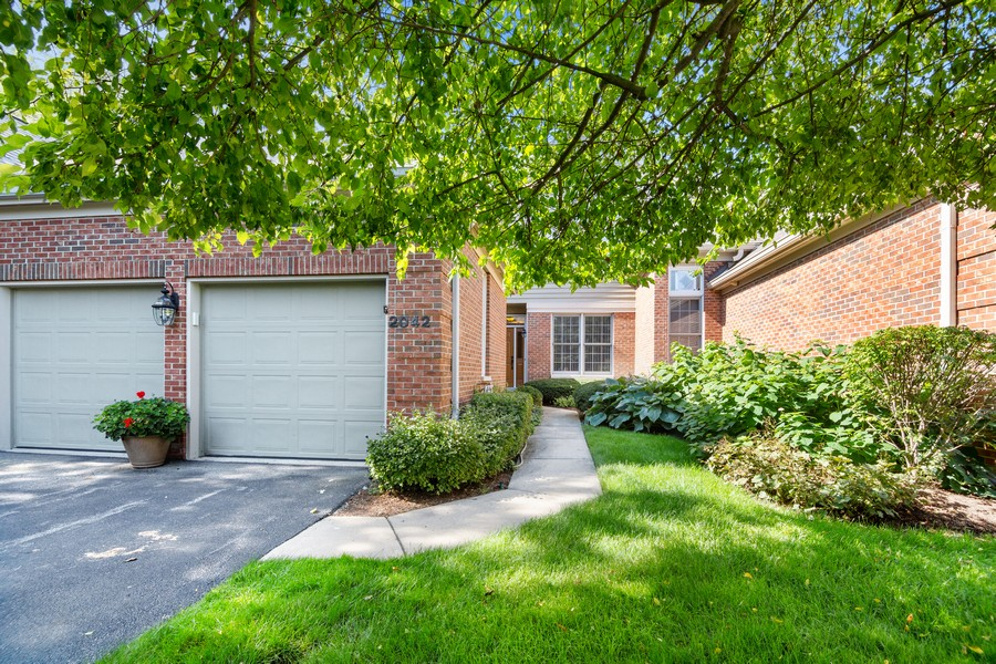 Real Estate Photography - 2042 Trent Ct, Glenview, IL, 60026 - Front View of Townhouse - Two car garage