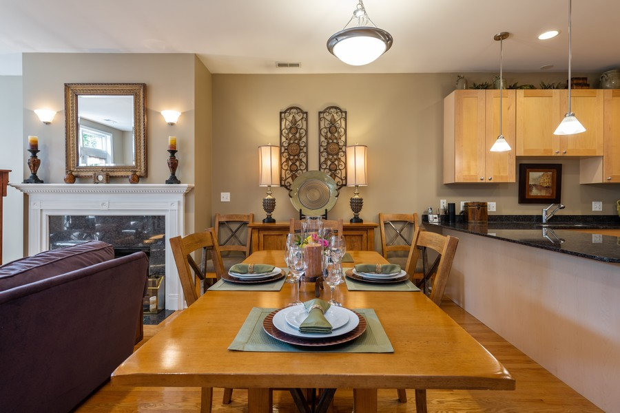 Real Estate Photography - 4704 N Kenmore, Unit 2B, Chicago, IL, 60640 - Dining Room