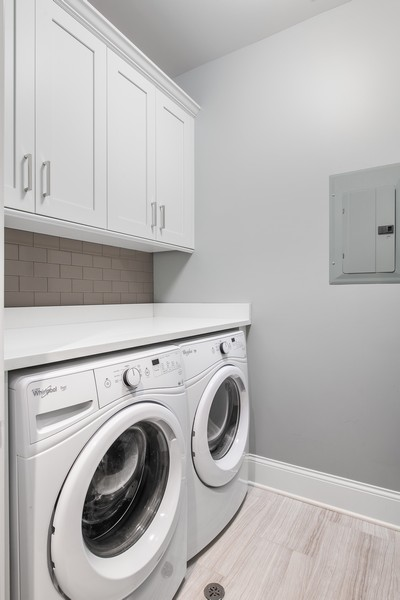 Real Estate Photography - 2019 W School St, Chicago, IL, 60618 - Laundry Room