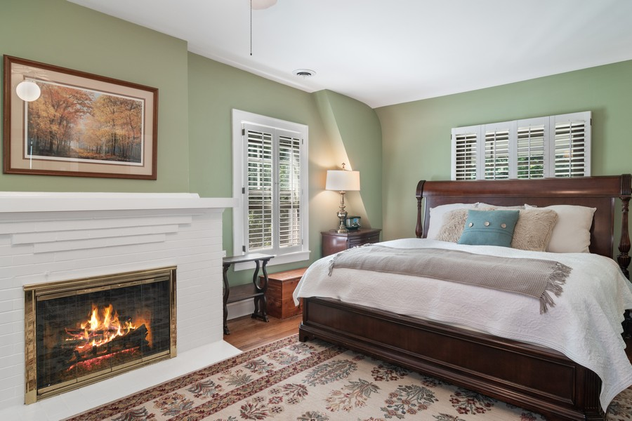 Real Estate Photography - 299 Longcommon Rd, Riverside, IL, 60546 - Master Bedroom