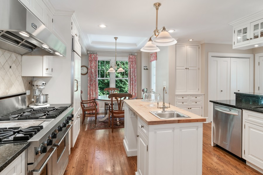 Real Estate Photography - 299 Longcommon Rd, Riverside, IL, 60546 - Kitchen