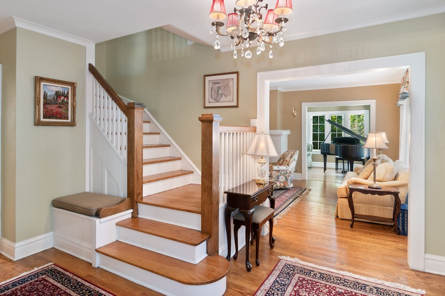 Real Estate Photography - 299 Longcommon Rd, Riverside, IL, 60546 - Foyer