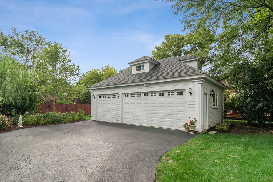 Real Estate Photography - 299 Longcommon Rd, Riverside, IL, 60546 - Garage