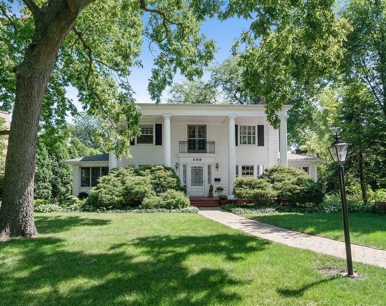 Real Estate Photography - 299 Longcommon Rd, Riverside, IL, 60546 - Front View