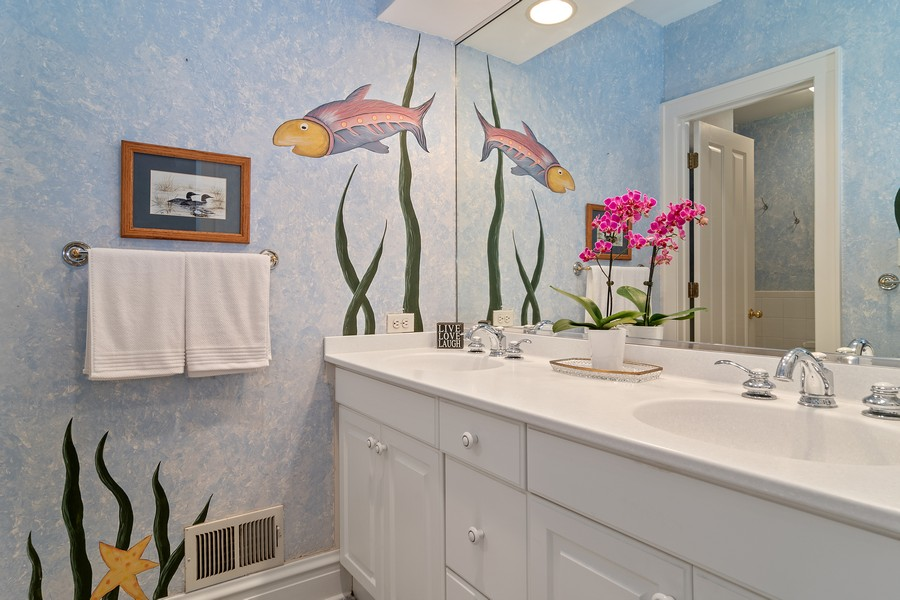 Real Estate Photography - 299 Longcommon Rd, Riverside, IL, 60546 - Bathroom