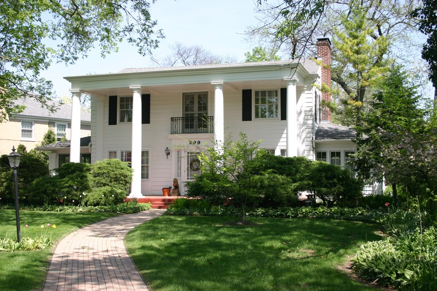 Real Estate Photography - 299 Longcommon Rd, Riverside, IL, 60546 -