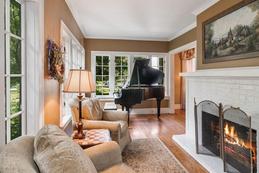 Real Estate Photography - 299 Longcommon Rd, Riverside, IL, 60546 - Sun Room