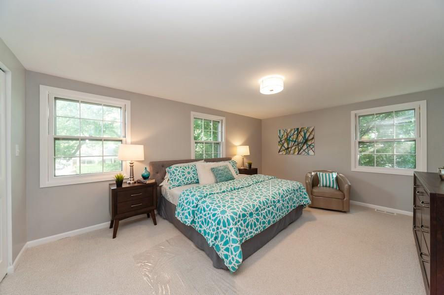 Real Estate Photography - 820 Twisted oak Ln, Buffalo Grove, IL, 60089 - Master Bedroom