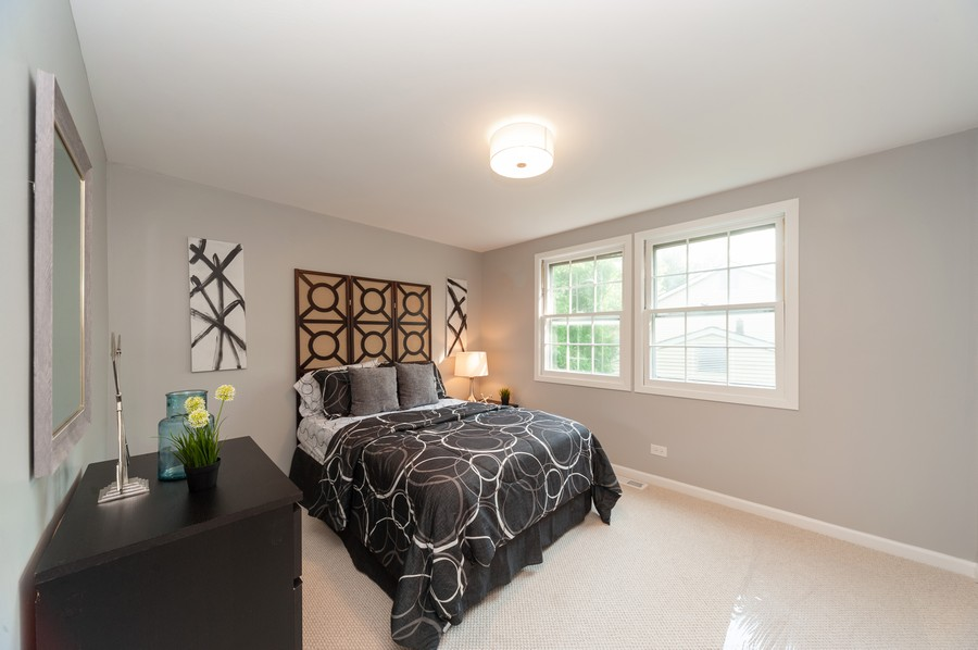 Real Estate Photography - 820 Twisted oak Ln, Buffalo Grove, IL, 60089 - 2nd Bedroom