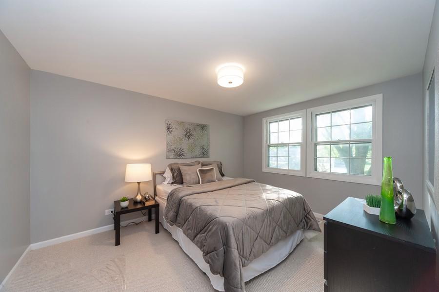 Real Estate Photography - 820 Twisted oak Ln, Buffalo Grove, IL, 60089 - 3rd Bedroom