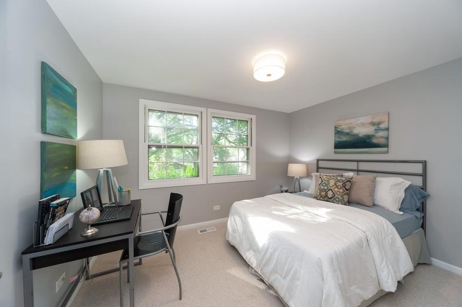 Real Estate Photography - 820 Twisted oak Ln, Buffalo Grove, IL, 60089 - 4th Bedroom