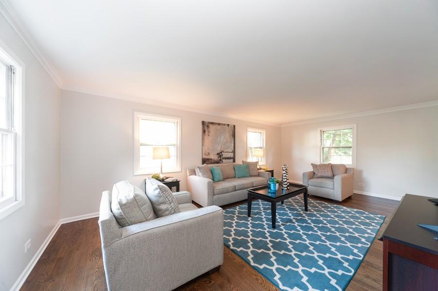 Real Estate Photography - 820 Twisted oak Ln, Buffalo Grove, IL, 60089 - Living Room