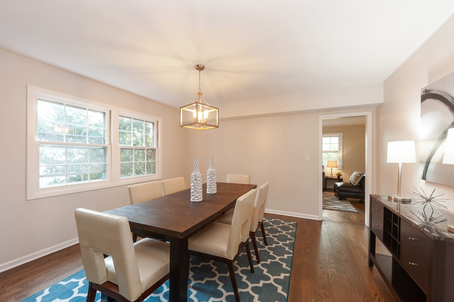 Real Estate Photography - 820 Twisted oak Ln, Buffalo Grove, IL, 60089 - Dining Room