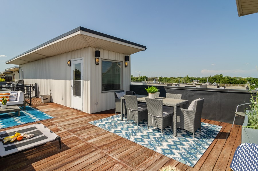 Real Estate Photography - 1767 N Hoyne, L, Chicago, IL, 60647 - Private Roof Deck