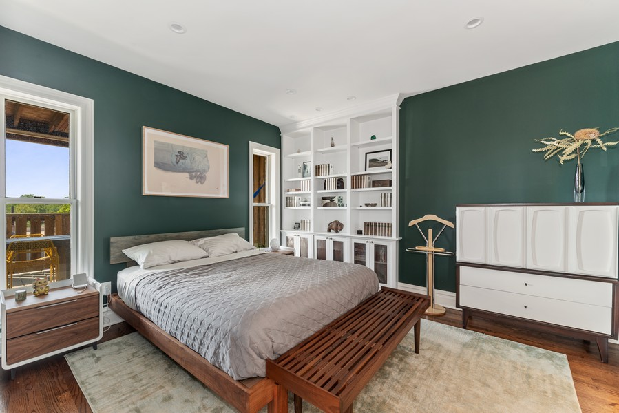Real Estate Photography - 1814 N Lincoln Park West, Unit 4, Chicago, IL, 60614 - Master Bedroom