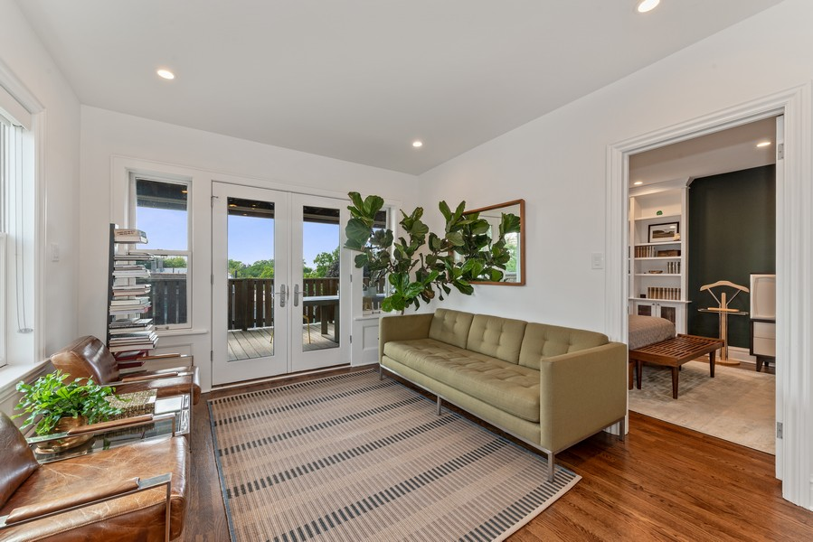 Real Estate Photography - 1814 N Lincoln Park West, Unit 4, Chicago, IL, 60614 - Family Room