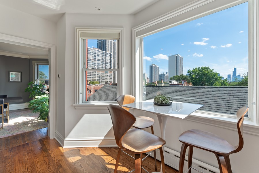 Real Estate Photography - 1814 N Lincoln Park West, Unit 4, Chicago, IL, 60614 - Breakfast Nook