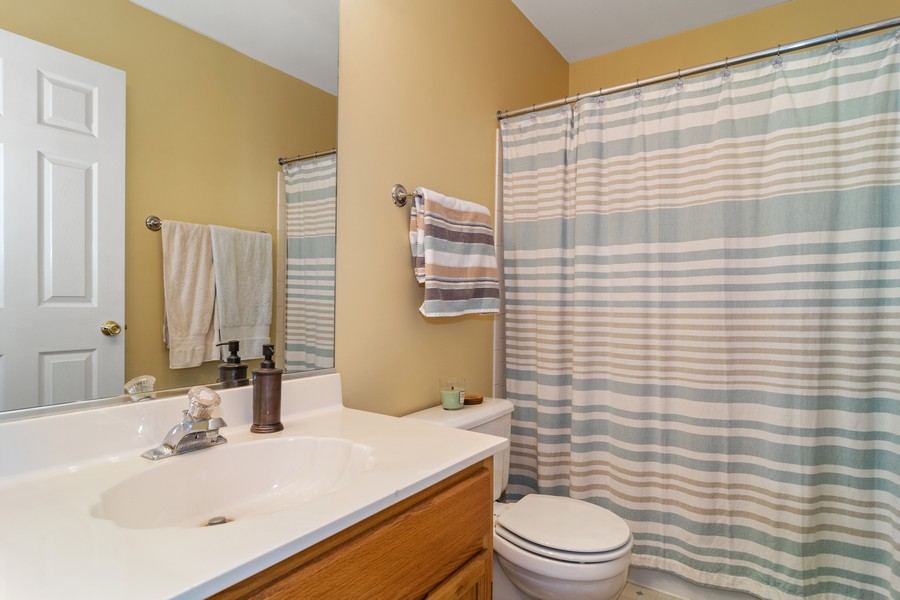 Real Estate Photography - 490 Harvard Ln, Bartlett, IL, 60103 - Master Bathroom